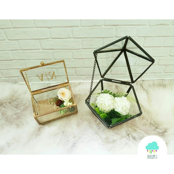 Glass ring boxes with rustic decorations