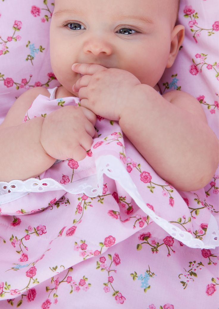 Zo ontzettend lief, beddengoed pink blossom. Voor baby's, peuters, kleuters en tieners  verkrijgbaar bij tinyheroes.nl of kinderslaapkamer.com