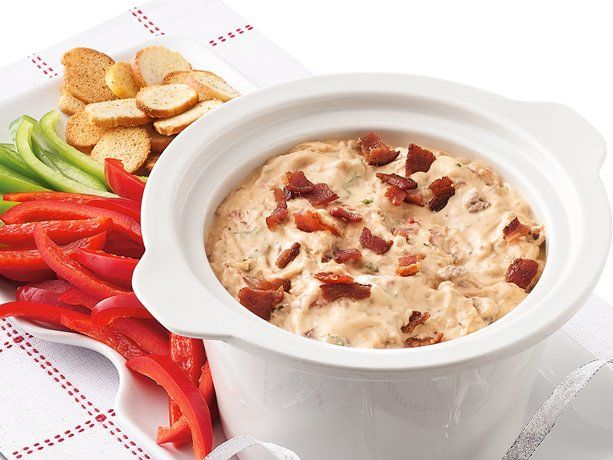 Turn everybody's favorite meal into a savory, delicious dip that's perfect for a crowd. Bonus: the slow cooker will keep it warm during your party. Great served with crackers, bagel chips, bread cubes or tortilla chips. To cook the bacon quickly, just zap it in the microwave!: Cheeseburgers, Crock Pot, Cooker Bacon, Crockpot, Slowcooker, Slow Cooker, Bacon Cheeseburger Dip, Dips