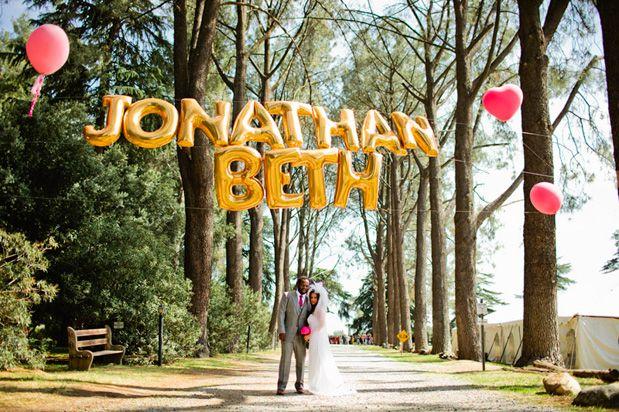 Balões letra para decoração e fotos de casamento!