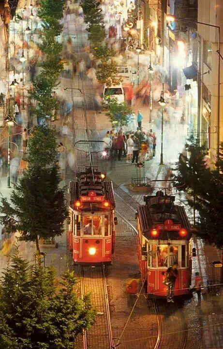 Beyoğlu İstiklal caddesi.istanbul TÜRKİYE