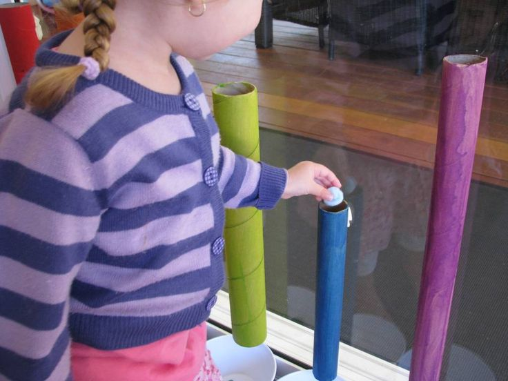Sorting Colours with Cardboard Rolls