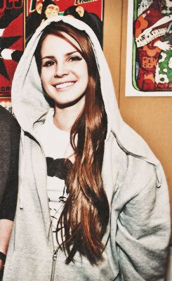 Lana Del Rey. SO cute! Love her!