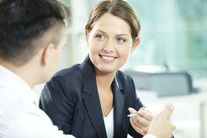 Auch auf schwierige Fragen richtig antworten - darauf kommt es beim Vorstellungsgespräch an. http://www.helpster.de/fragenkatalog-fuers-vorstellungsgespraech-vorbereitungstipps_215018