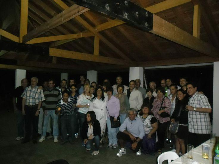 El pasado lunes 9 de diciembre, por primera vez luego de muchos años, el Club Comunicaciones organizó la cena de Fin de año , para agasajar a los empleados de la Institución. Te invitamos a ver el algun de fotos desde: https://www.facebook.com/media/set/?set=a.1461098624116891.1073741835.1442630562630364&type=1&l=d9b7f4243c
