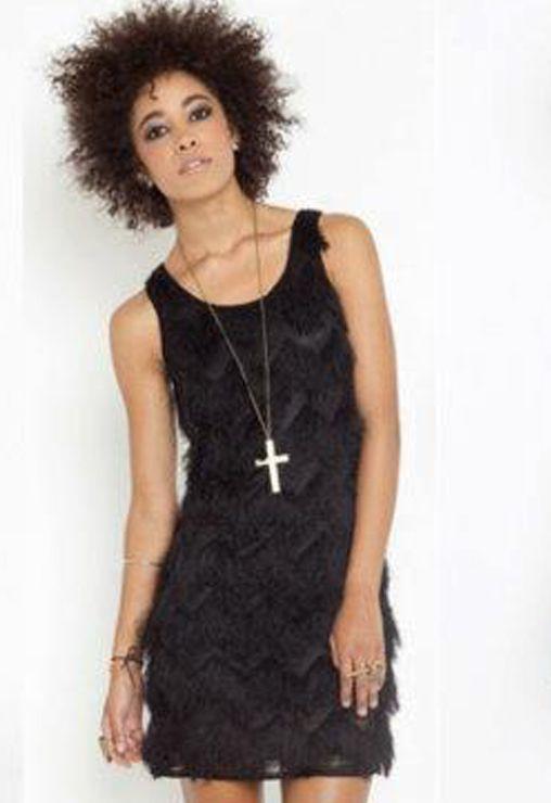 Vestido con flecos negros :-) http://www.tramanta.com/productos/vestidos-fiesta/vestido-flecos-negro