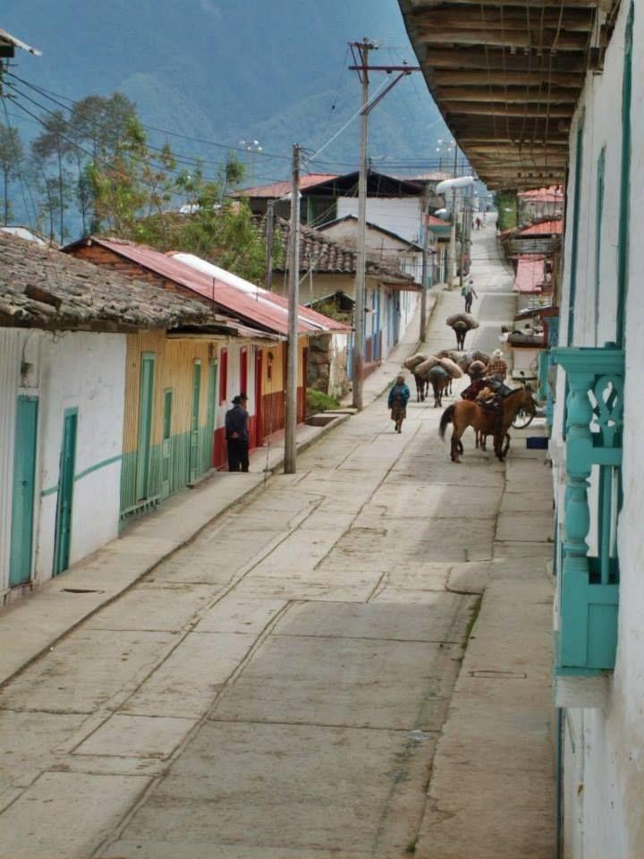 Calle de Marulanda, Caldas