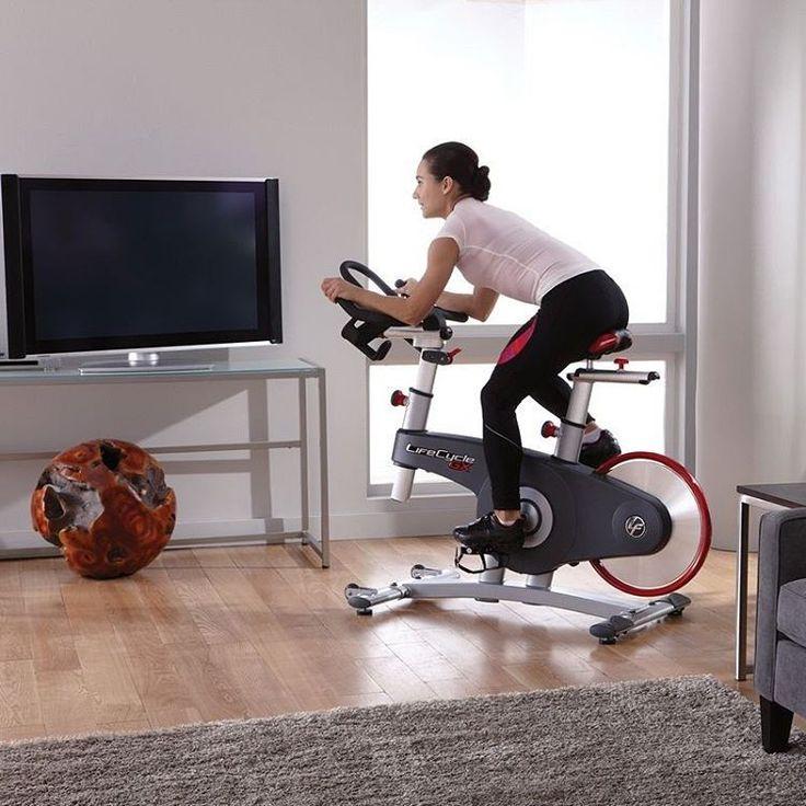Советуем обратить внимание на велотренажер Lifecycle GX: он отлично подойдет для тех пользователей, кто предпочитает интенсивные кардиотренировки, но не любит бег или вынужден соблюдать тишину во время занятий спортом дома.  #lifefitness #кардиотренажер #велотренажер #lifecyclegx