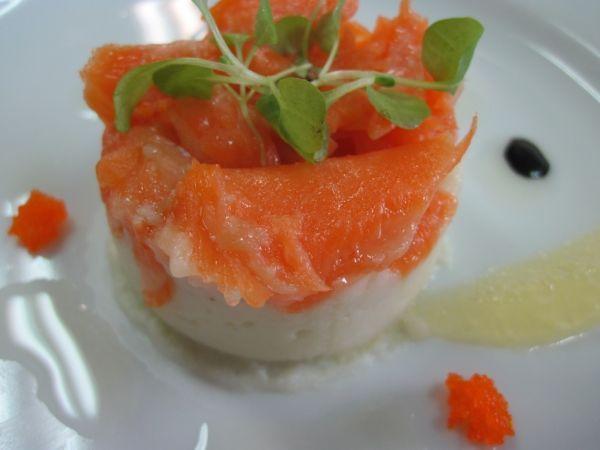 Salmon confit on parsnip puree : http://en.petitchef.com/recipes ...