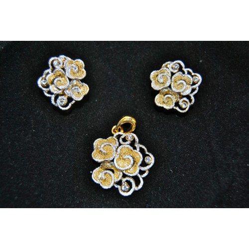 Golden Flowers Pendant Set