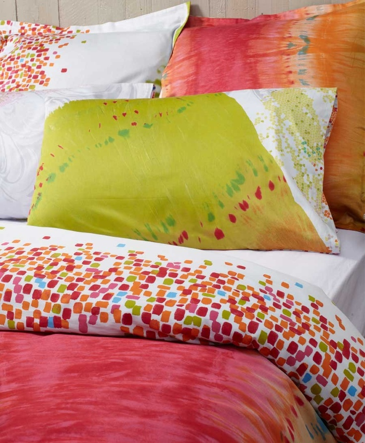 Bright colourful bedding to pretty up your bedroom #doonacovers