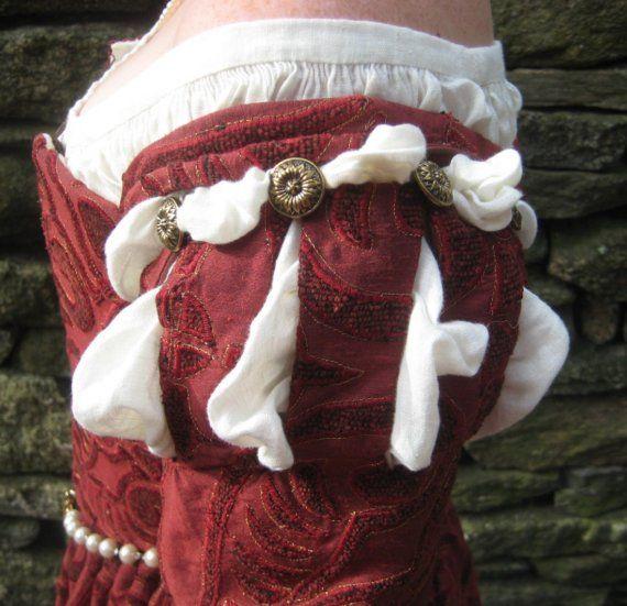 Dieses Kleid beruht auf meine eigene sorgfältige Forschung in die Kleidung modisch in 1560s Venedig. Größter Sorgfalt wird getragen, um ein Kleid,