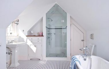 Love the use of space in this attic bathroom