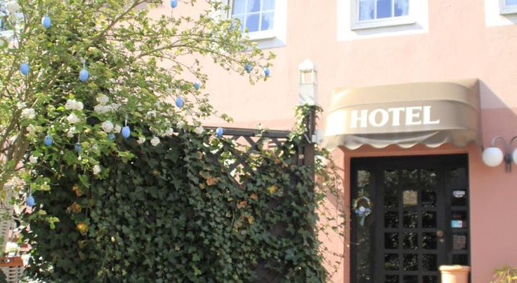 Hotel Matheisen Köln This traditional hotel is located in Cologne's Worringen district. Hotel Matheisen offers free Wi-Fi, free parking and is just off the A57 motorway between Cologne and Düsseldorf city centres.