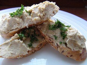 Hummus - zdravá pomazánka z cizrny a sezamové pasty