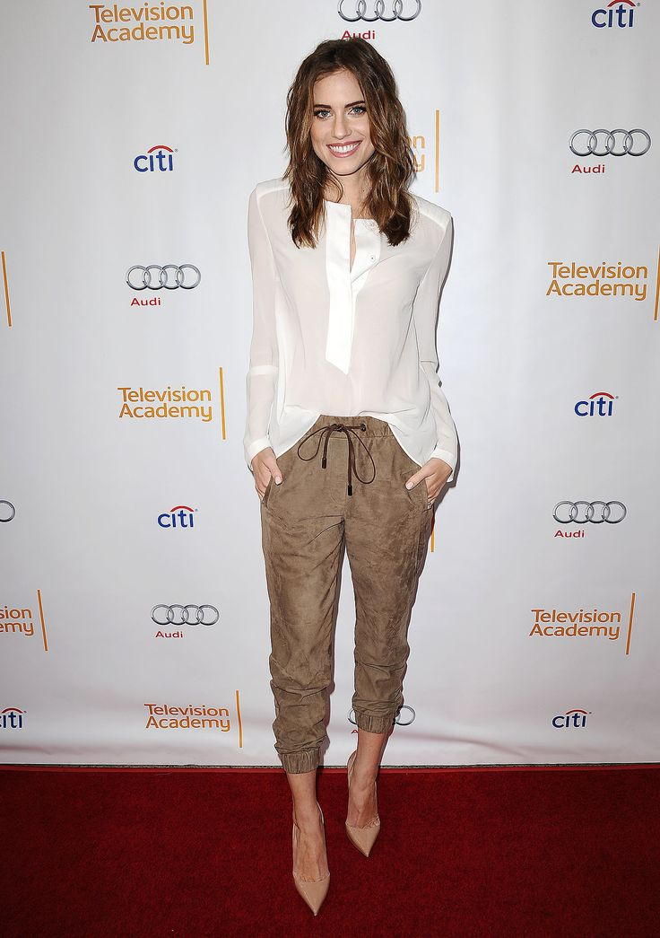 Allison Williams went the casual route for a Girls event in suede trousers, nude-coloured pointed-toe pumps, and a slightly sheer blouse.