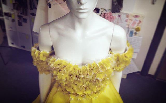 @ laysedlakova - Yellow Roccoco decolt