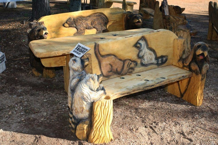 Who says you can't build a dining set from a log?  Awesome piece by Kentucky carver, Sam Dunning.