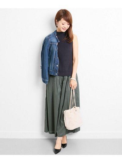 ネイビーでシックにきめたボトルネック ベストの着こなし・コーデ・スタイル・ファッション☆