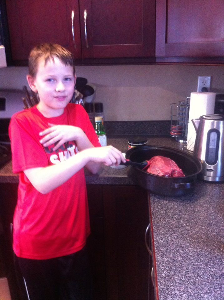 Owen prepares roast beef dinner for the entire family.  #RoastBeefChallenge