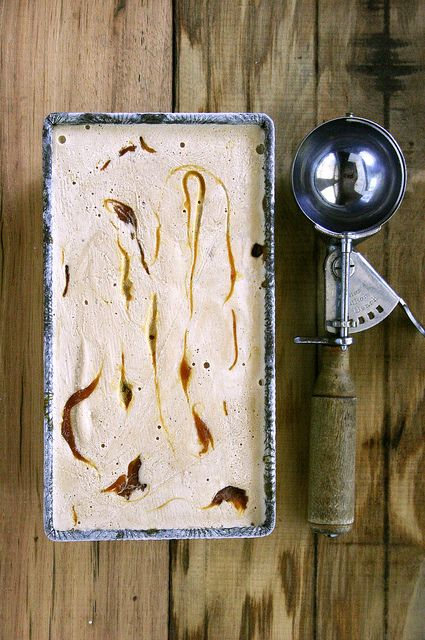 toasted oak ice cream with smoked sea salt & lapsang souchong caramel swirl by Beth Kirby | {local milk}, via Flickr
