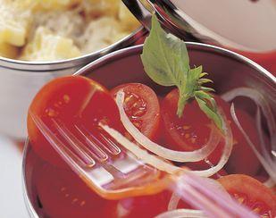Tomatensalat mit Sbrinz-Dressing - Rezeptdatenbank - Swissmilk
