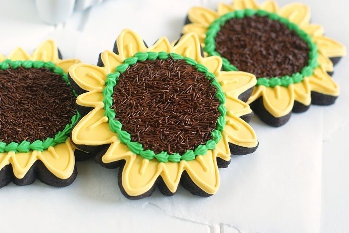 Bake at 350: Here Comes the Sun (flower)...Cookies Ideas, Sunflowers Cookies, Sugar Cookies, Flower Cookies, Cookies Decor, Decor Cookies, Sun Flower, Cookie Decorating, Sunflowers Cupcakes