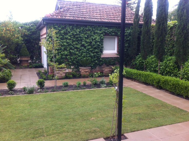 Pin by susie nugent on garden pinterest for Courtyard landscaping adelaide