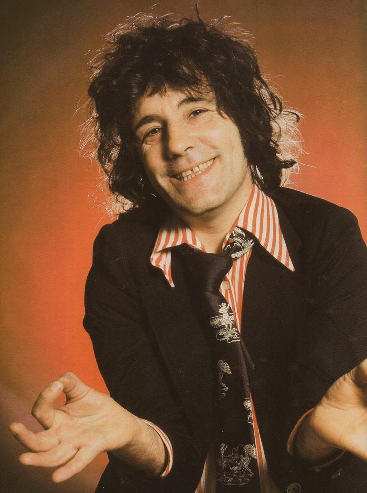 Alex Harvey (April 5, 1935 - February 4, 1982) American guitarist, singer and composer (The Sensational Alex Harvey Band).