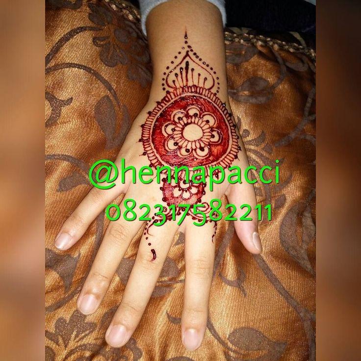Henna Fun... by Hennapacci  Henna fun bisa kamu gunakan buat sehari2... buat ke kondangan juga bisa... #hennafun #henna #mahendi #hennamaroon #hennatattoo #hennaart #hennaartist #hennamakassar #hennaartistmakassar  #instamoment #instamakassar #iphonesia  #art #hennatangan #lukistangan #lukishenna #hennapacci #hennasimple