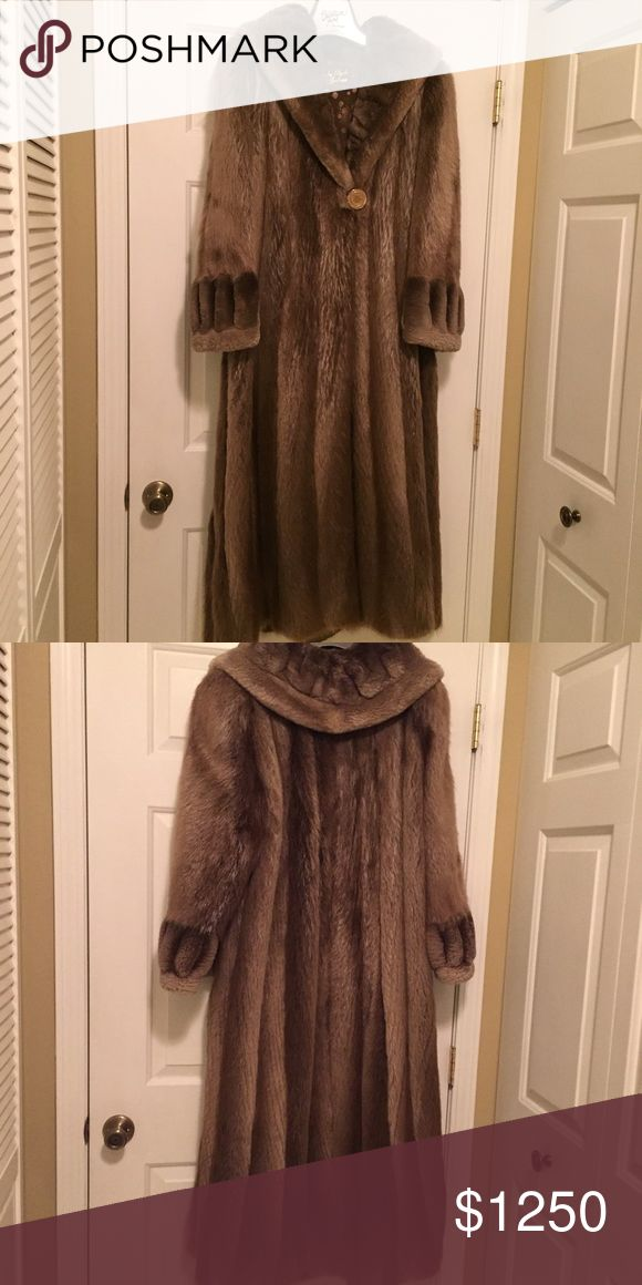 Beautiful full length Fox/Shaved Beaver Fur C Gorgeous detail, fully lined, like new! Jackets & Coats