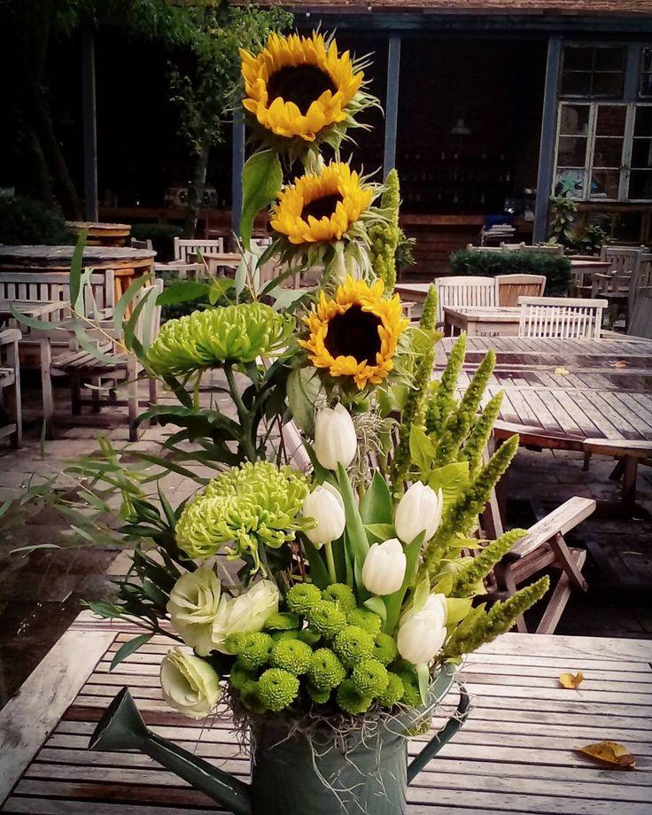 "2 aprecieri, 1 comentarii - Floraria Dorothy's (@florariadorothys) pe Instagram: ""Autumn mood.. #birthday #gift #cluj #clujlife #clujnapoca #floricluj #florariecluj #lifeincluj…"""