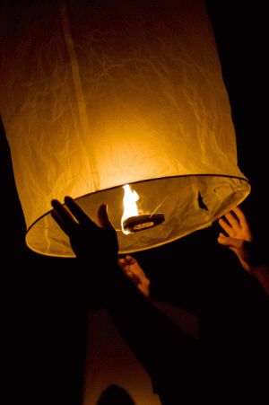 Trails & Lifestyle: Davao Saturdays: 10,000 Sky Lanterns on Earth Hour 2012