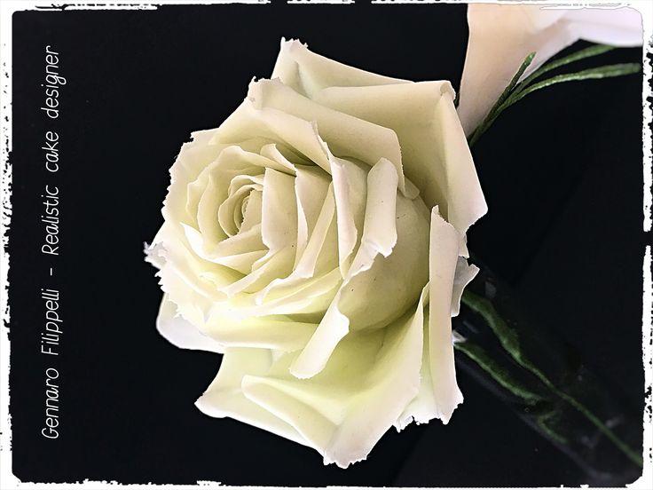 fiori in gum paste. Rosa avalance