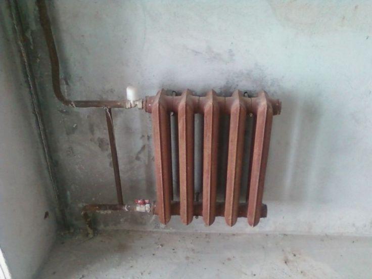Установка чугунных батарей отопления