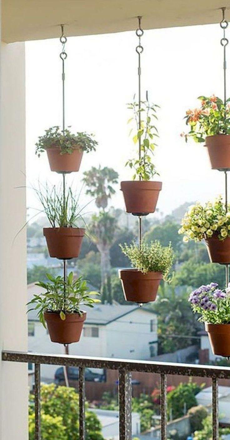 Wunderbare kleine Wohnung Balkon Dekor Ideen mit schönen Pflanzen
