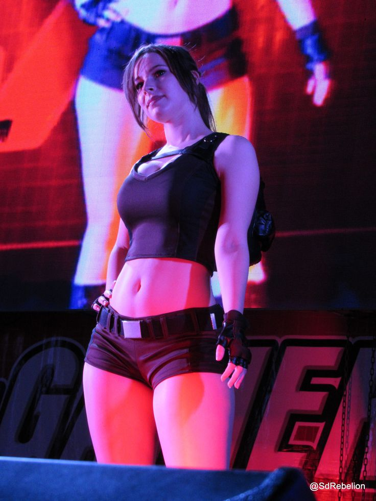 Enji Night en el MASGAMERS TECH FESTIVAL X | Cosplay | Dia ...