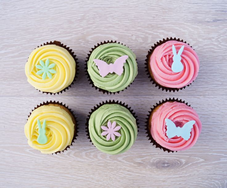 Springtime is here! Fresh new colours on our cupcakes for Easter ! Yum ! Butterflies, daisies, and bunnies.... which will you choose? SCx