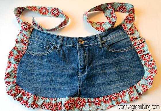 Farm Girl Apron Tutorial from Recycled Jeans ~ Creative Green Living •✿•  Teresa Restegui http://www.pinterest.com/teretegui/ •✿•
