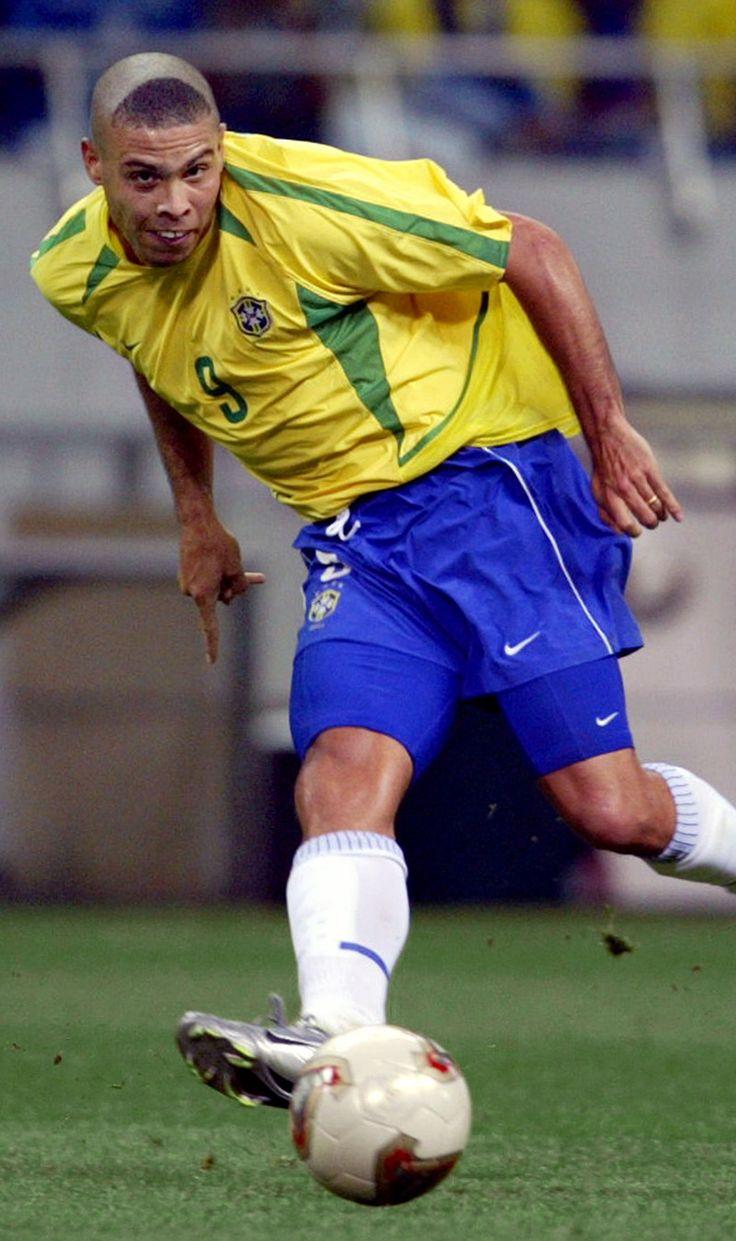 Ronaldo - 2002 nice haircut!