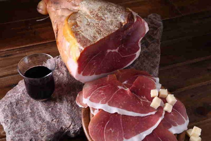 Homemade Herzegovinian prosciutto. The name prosciutto is clearly of Latin origin, derived from the words pro, meaning before, and exsuctus, meaning dried up. Visit our website: www.tourguidemostar.com #food #lovefood #foodie #tourguidemostar #mostar #bosniaandherzegovina #pršut #prosciutto