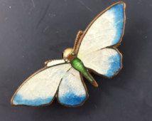 Spilla a farfalla antico smalto. Spilla in stile vittoriano. PIN No.00995 hs