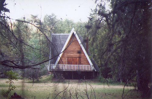hakanai.Spaces, Favorite Places, Reading Book, Little Cabin, Wooden House, Architecture, Cabin Fever, A Frames, Logs Cabinscottagesafram