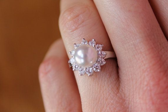 Vintage Pearl Ring. love this!!