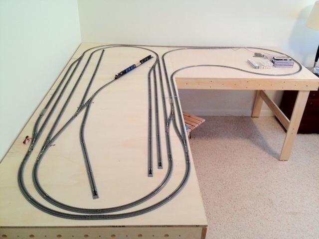 http://diypdfdl.co.vu/pdftrainlayouts/wp-content/upload/2014/05/train/n-gauge-model-railway-track-plan-videos-5.jpg
