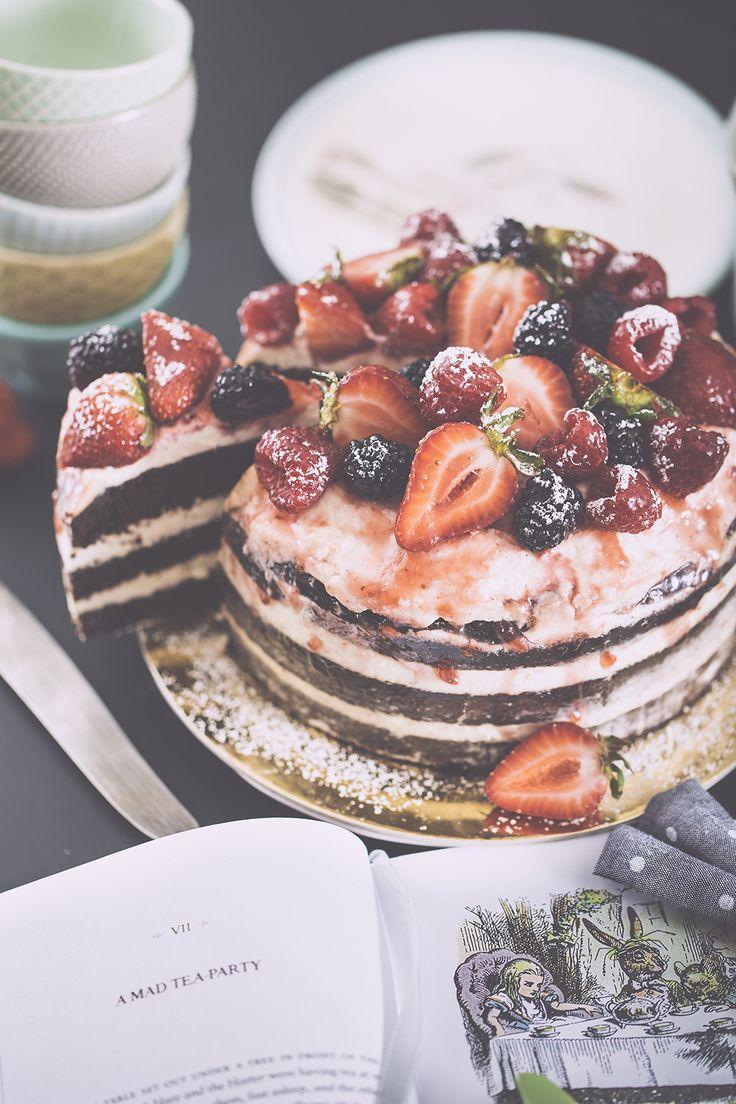 Naked chocolate cake