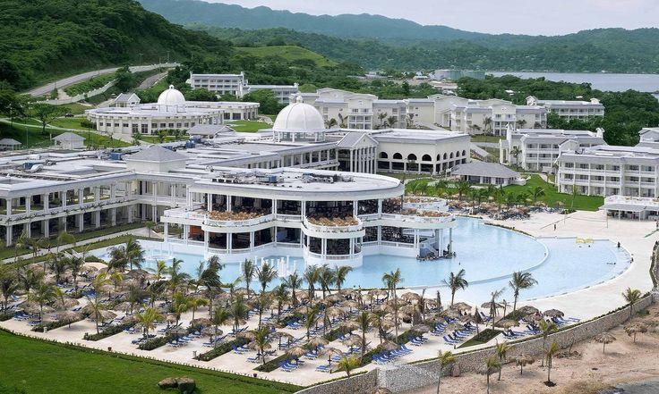 Grand Palladium Lady Hamilton Resort & Spa Jamaica.....honeymoon 2009. Loved it!!