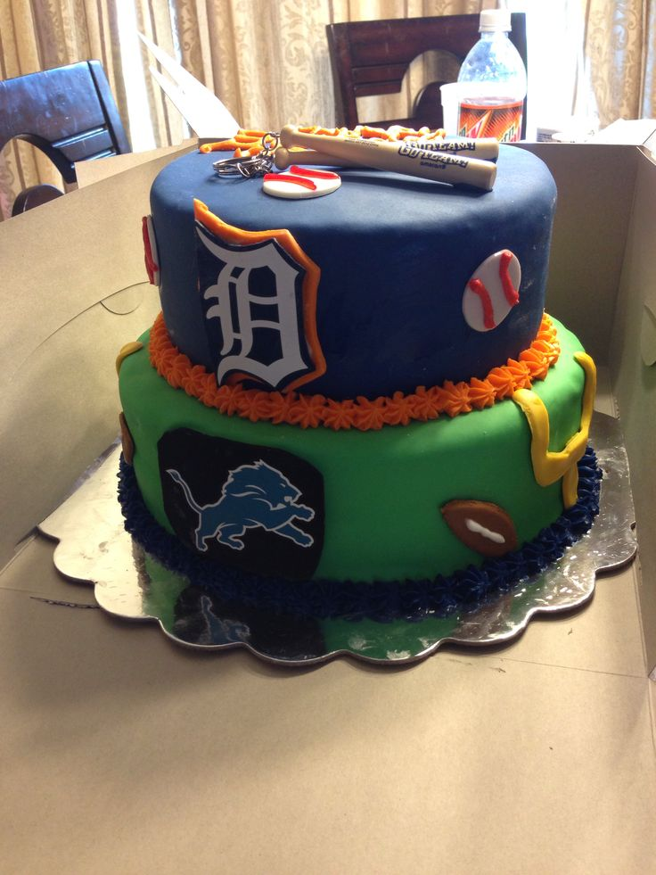 Detroit tigers and lions themed cake