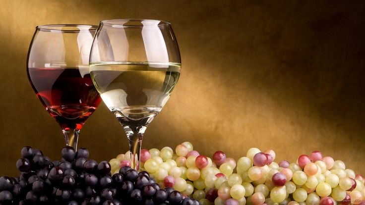 Wine Glass with Grapes Photograph: http://www.wallpaperspub.net/pre-wine-glass-with-grapes-3206.htm #FoodandFruits #FoodandFruitswallpapers #FoodandFruitsphotos #WineGlass #Grapes