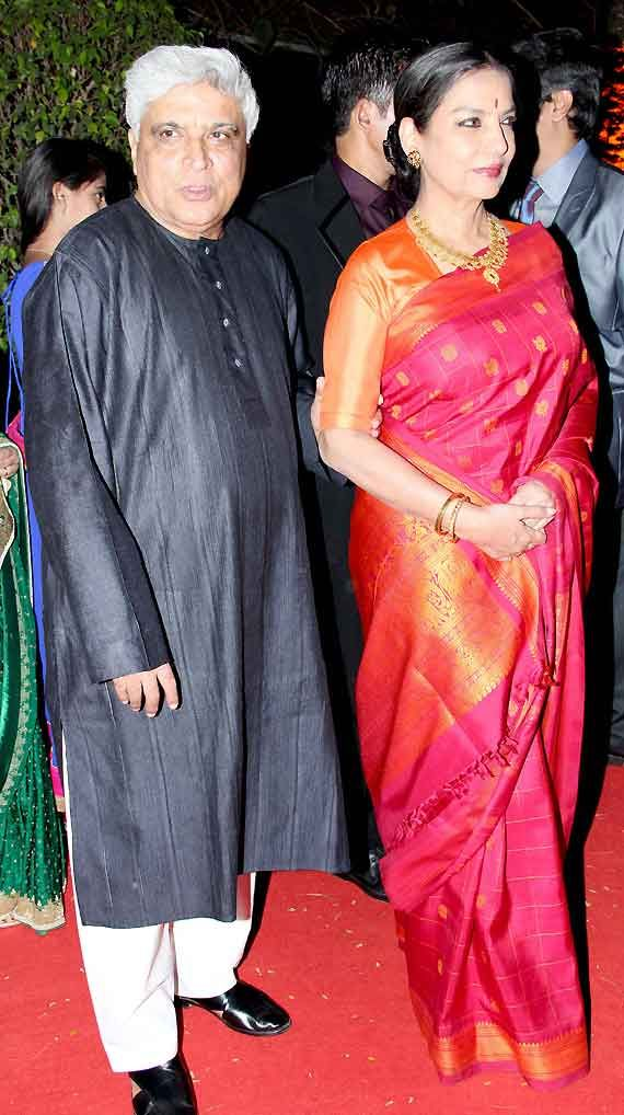 Shabana Azmi in a stunning Kanjivaram with Mayil Chakkaram Bhuttis